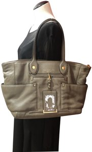 Marc Jacobs New Soft Cowhide Leather Leather Tote in Puma Taupe