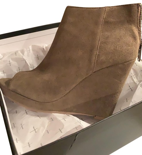 Preload https://img-static.tradesy.com/item/25650322/dolce-vita-khaki-jesse-bootsbooties-size-us-8-regular-m-b-0-1-540-540.jpg