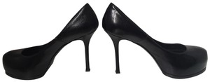 Saint Laurent Leather Classic Round Toe Black Pumps