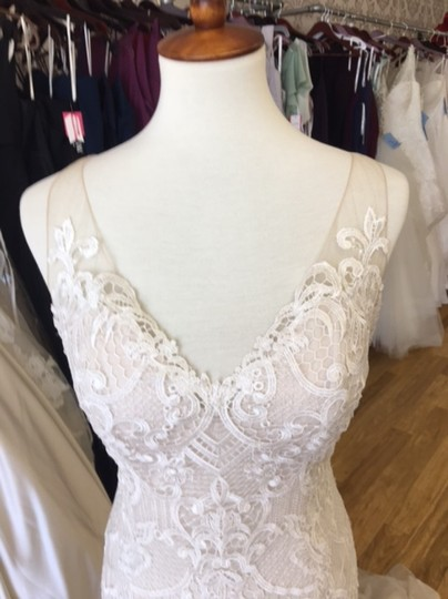 Maggie Sottero Ivory Over Antique Ivory Lace and Tulle 8mc564 Adaleine Vintage Wedding Dress Size 8 (M) Image 4