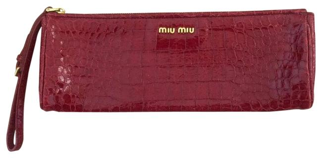 Item - Croc Embossed Red Leather Wristlet