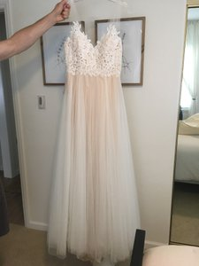 Watters & Watters Bridal Ivory Polyester Tulle Heritage Gown - Never Worn/Altered Feminine Wedding Dress Size 8 (M)