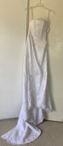 David's Bridal White Satin with Tulle Overlay T8722 Traditional Wedding Dress Size 4 (S)