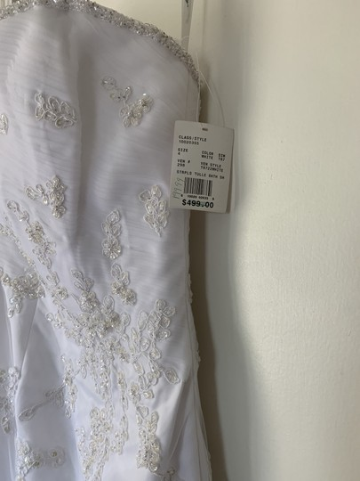 David's Bridal White Satin with Tulle Overlay T8722 Traditional Wedding Dress Size 4 (S) Image 6
