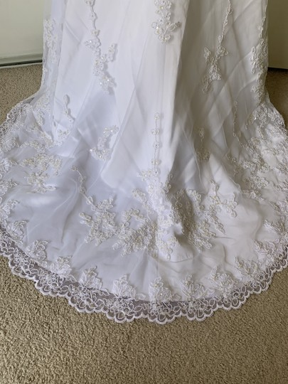 David's Bridal White Satin with Tulle Overlay T8722 Traditional Wedding Dress Size 4 (S) Image 9