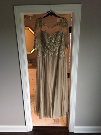 Montage by Mon Cheri Blush Chiffon and Hand-beaded Lace 117901 Traditional Bridesmaid/Mob Dress Size 14 (L) Image 7