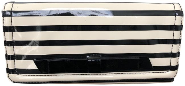 Item - Chelsea Park Small Black and Off White Patent Leather Clutch