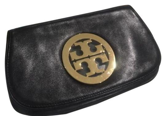 Preload https://img-static.tradesy.com/item/25654708/tory-burch-black-with-gold-chain-leather-clutch-0-1-540-540.jpg