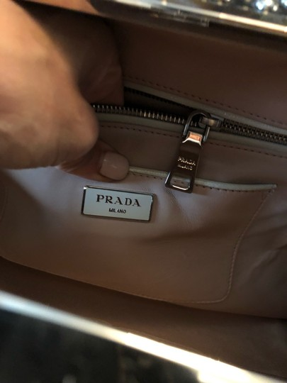 Prada Satchel in cream black Image 10