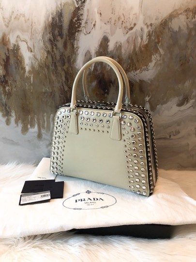 Prada Satchel in cream black Image 3