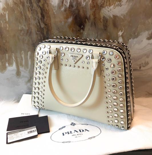 Prada Satchel in cream black Image 4