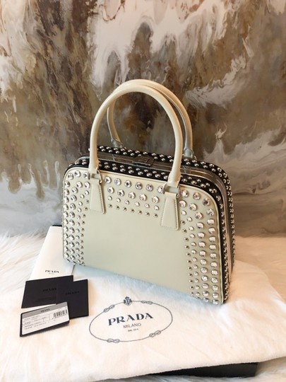 Prada Satchel in cream black Image 5
