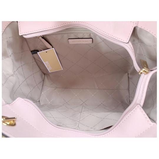 Michael Kors Womens Chain Shoulder Tote in Pink Image 1