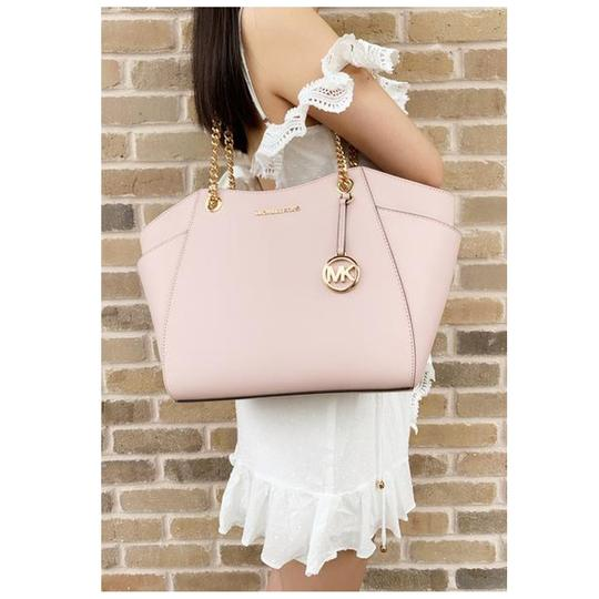 Michael Kors Womens Chain Shoulder Tote in Pink Image 4