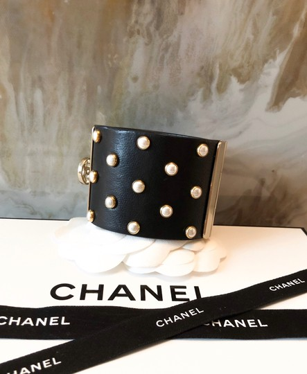 Chanel Rare Pearl Studded CC Black Leather Cuff Bracelet Image 2