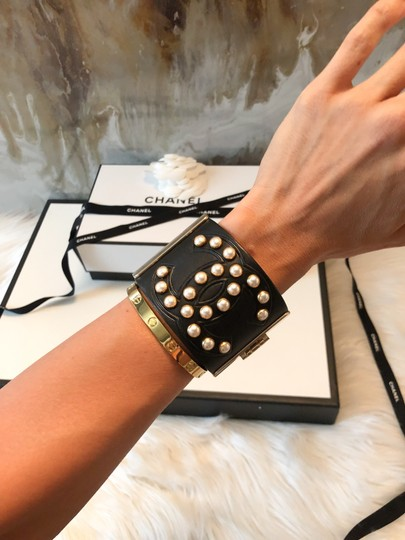 Chanel Rare Pearl Studded CC Black Leather Cuff Bracelet Image 3