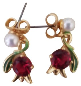 Les Néréides Les Néréides gold tone earrings flower ruby pearl
