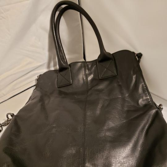 Preload https://item5.tradesy.com/images/bcbgeneration-two-way-with-should-strap-leather-hobo-bag-25655094-0-0.jpg?width=440&height=440