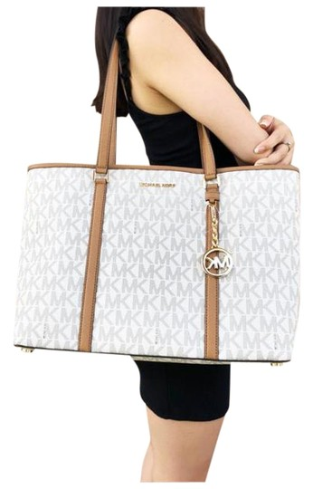 Preload https://img-static.tradesy.com/item/25655149/michael-kors-sady-large-multifunctional-top-zip-mk-acorn-vanilla-tote-0-1-540-540.jpg