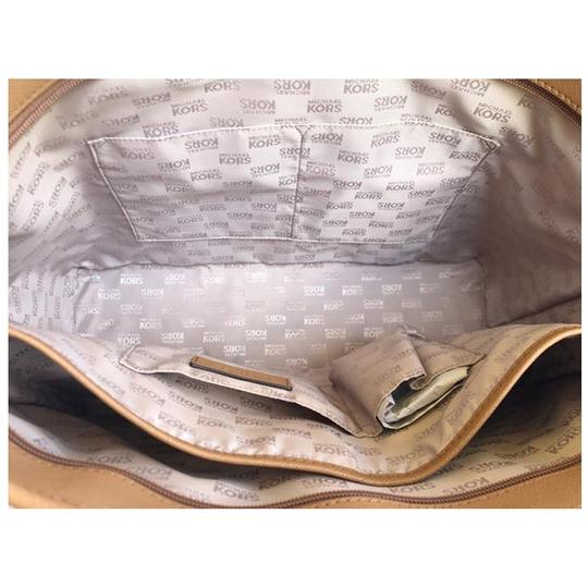 Michael Kors Womens Laptop Tote in Vanilla Image 5