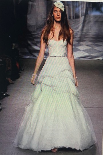 Monique Lhuillier Ivory Chantilly Silk Lace Runway Gown Formal Wedding Dress Size 4 (S) Image 10