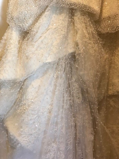 Monique Lhuillier Ivory Chantilly Silk Lace Runway Gown Formal Wedding Dress Size 4 (S) Image 5