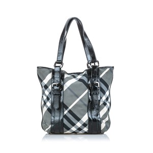 Burberry 9dbuto022 Vintage Canvas Leather Tote in Black