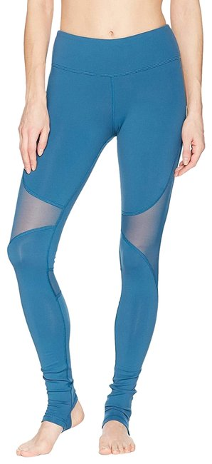 Preload https://img-static.tradesy.com/item/25655377/alo-legion-blue-yoga-coast-activewear-bottoms-size-12-l-32-33-0-1-650-650.jpg