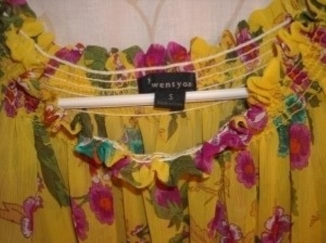 Forever 21 Top Yellow & Magenta Floral