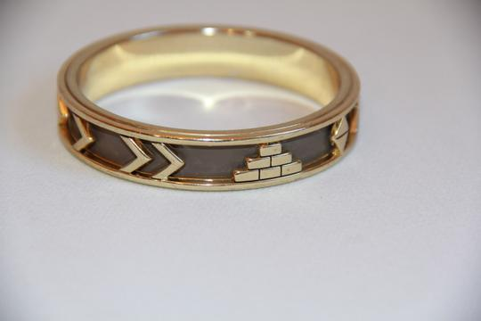 HOUSE HOUSE OF HARLOW 1960 Aztec Khaki Leather and 14kt Gold Plated Bangle Image 9