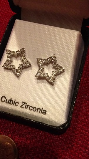 Preload https://item5.tradesy.com/images/silver-cubic-zirconia-and-star-post-earrings-256619-0-0.jpg?width=440&height=440