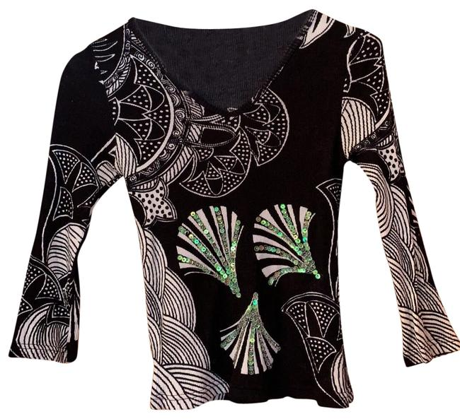 Item - Black and White 3/4 Sleeve Blouse Size 6 (S)