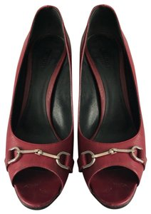 dbf0dbe5d Red Gucci Pumps Up to 90% off at Tradesy