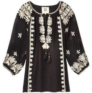 Figue Embroidered Top BLACK AND WHITE