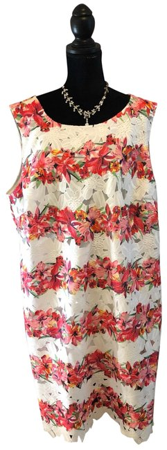 Item - White Red & Pink Floral Mid-length Short Casual Dress Size 24 (Plus 2x)