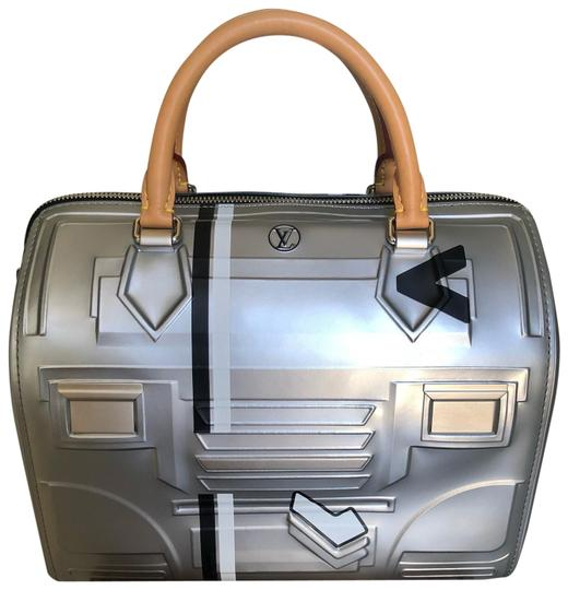 Preload https://img-static.tradesy.com/item/25669911/louis-vuitton-speedy-25-space-futuristic-silver-with-black-white-and-honey-colors-embossed-epi-leath-0-3-540-540.jpg