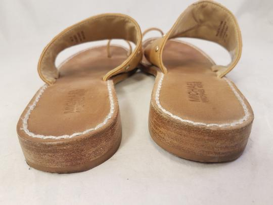 Michael Kors Woman Toe Loop Thong Woman Size 7.5 beige Sandals Image 5