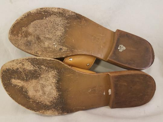 Michael Kors Woman Toe Loop Thong Woman Size 7.5 beige Sandals Image 6