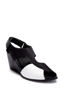 Arche black/withe with tag Sandals