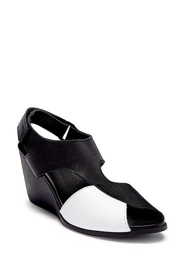 Arche black/withe with tag Sandals Image 5