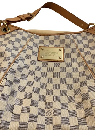 Preload https://img-static.tradesy.com/item/25671643/louis-vuitton-galleria-pm-with-dust-damier-leather-hobo-bag-0-1-540-540.jpg