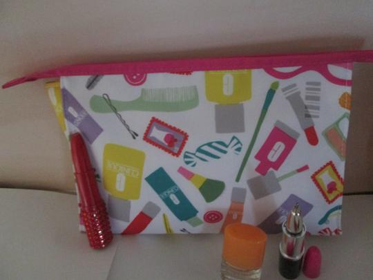 Clinique Clinique Happy Fragrance with Large cosmetic bag Writing pens 6 pc. Image 9
