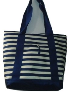 Unbranded Weekend Shopper Beach Tote in Blue White Stripe