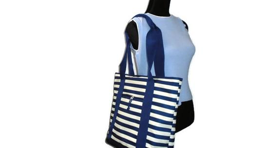 Unbranded Weekend Shopper Beach Tote in Blue White Stripe Image 1