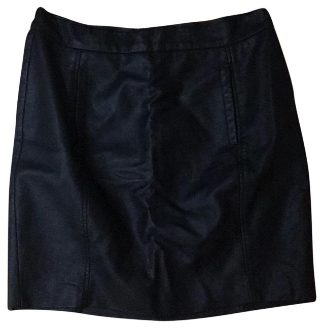Preload https://img-static.tradesy.com/item/25671885/french-connection-skirt-size-10-m-31-0-1-650-650.jpg