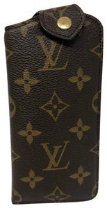 Louis Vuitton Etui Lunettes PM (Casing)
