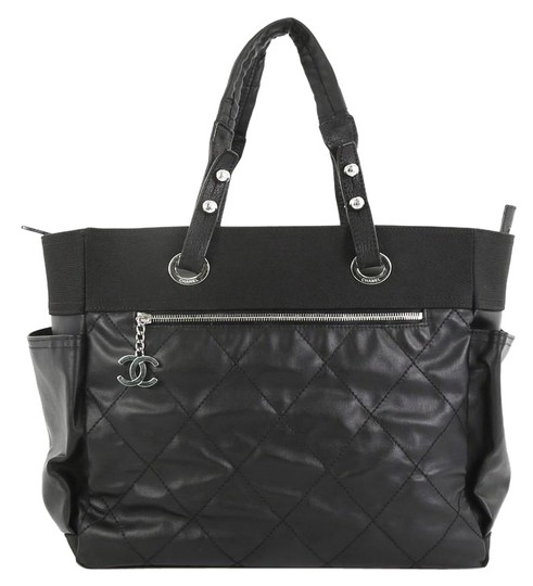 Preload https://img-static.tradesy.com/item/25673390/chanel-biarritz-pocket-quilted-coated-large-black-canvas-tote-0-1-540-540.jpg
