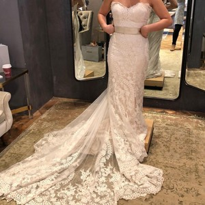 BHLDN White Lace Leigh Gown Feminine Wedding Dress Size 4 (S)