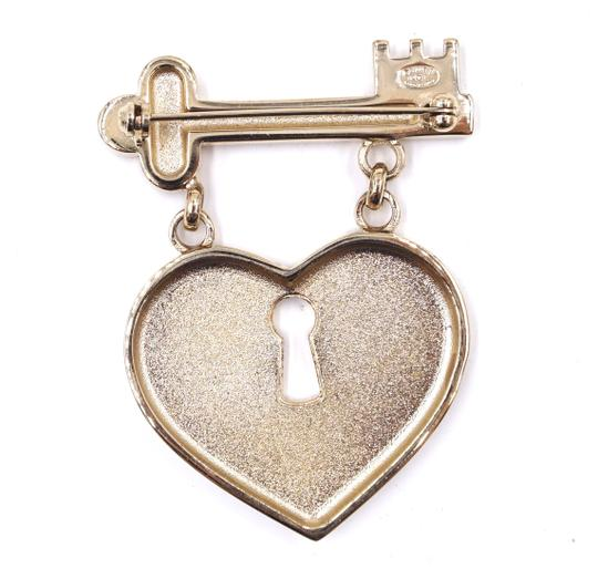 Chanel Ultra Rare XL Key to Heart CC pink crystals gold brooch Image 3