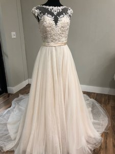 Mori Lee Light Gold Lace and Tulle 5362 Traditional Wedding Dress Size 10 (M)